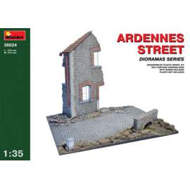 Miniart 1:35 - Ardennes Street diorama with ruined 2 storey house corner, s