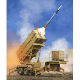 Trumpeter 1:35 US M901 Launching Station w/MIM-104F Patriot SAM System