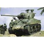 Italeri 1:35 M4-A1 Sherman tank makett