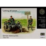 Masterbox 1:35 German Motorbike with sidecar and Motorcyclists 1940-43