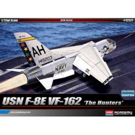 Academy 1:72 Vought F-8E Crusader VF-162 ´The Hunters´ repülő makett
