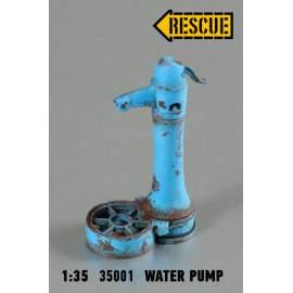Rescue 1:35 Hungarian street water pump