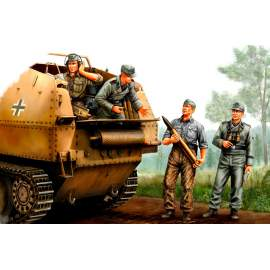 Hobbyboss 1:35 German SPG Crew