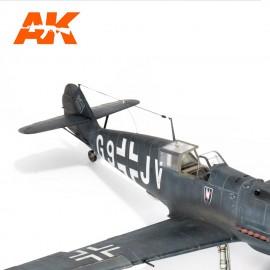 AK Interactive Elastic rigging bobbin Thin (Suitable for 1:35 / 1:32 / 1:48)